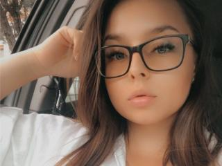 Webcam model KimberlySmart from XLoveCam