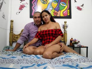 Webcam model KratussAndVenuss from XLoveCam