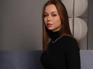 Webcam model KristinaLeggy from XLoveCam