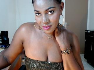 Webcam model LadyAnna from XLoveCam