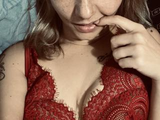 Webcam model LadyMrGin from XLoveCam
