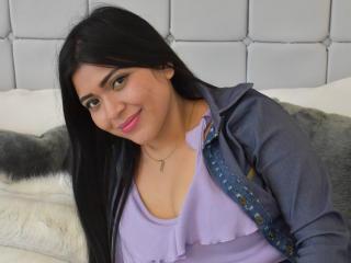 Webcam model LaylaTeixeira from XLoveCam