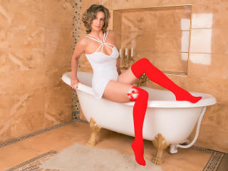 Webcam model LetSquirt from XLoveCam