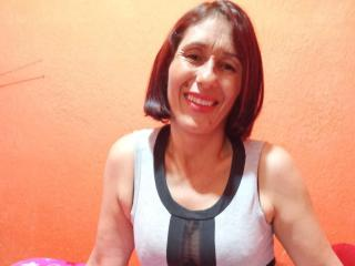 Webcam model Lhaxmy from XLoveCam