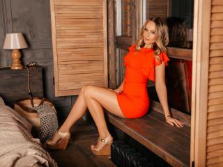 Webcam model LindaMarkez from XLoveCam