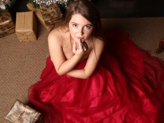 Webcam model LindaSunshine from XLoveCam