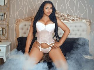 Webcam model LindseyHarrys from XLoveCam