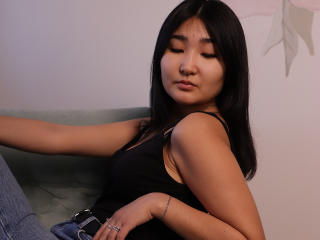 Webcam model LisaSaito from XLoveCam