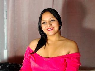 Webcam model LisbethMoore from XLoveCam