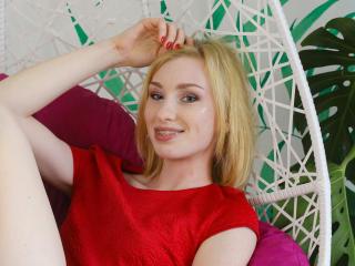 Webcam model LissaColton from XLoveCam