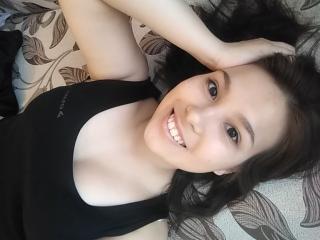 Webcam model LouiseFarmer from XLoveCam