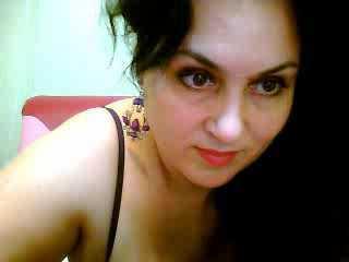 Webcam model LovelySuze from XLoveCam