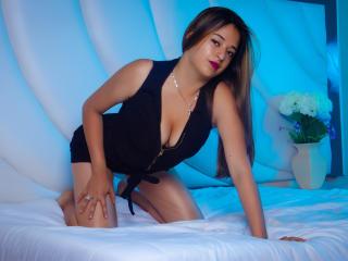 Webcam model LucyKeegan from XLoveCam
