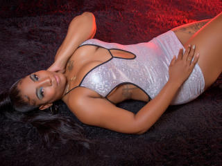 Webcam model MadamExotic from XLoveCam