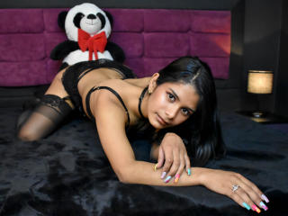 Webcam model MadisonSweetty from XLoveCam