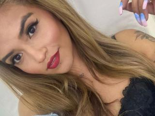 Webcam model MajorieLove from XLoveCam