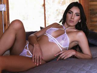Webcam model ManuelaVega from XLoveCam