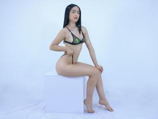 Webcam model MaraRoss from XLoveCam