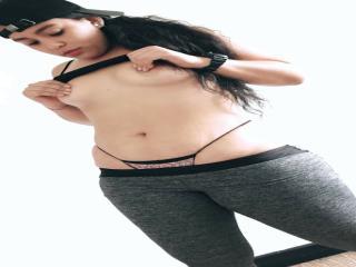 Webcam model MargaretThomasson from XLoveCam