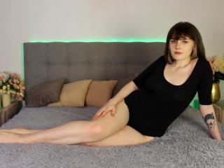 Webcam model MargoMagic from XLoveCam