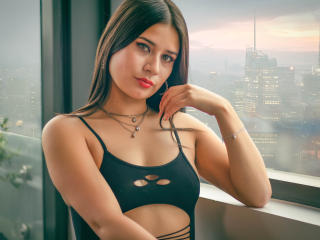 Webcam model MariJonnes from XLoveCam