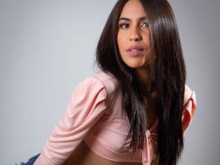 Webcam model MarianGelb from XLoveCam
