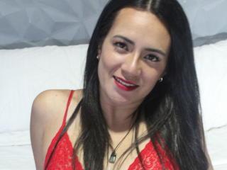 Webcam model MarianaVegga from XLoveCam