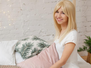 Webcam model MarmeladeGirl from XLoveCam