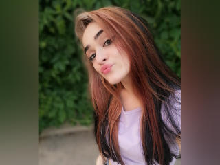 Webcam model MarthaRise from XLoveCam