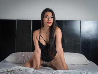 Webcam model MartinaGarciaa from XLoveCam