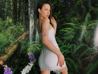 Webcam model MelissaSherman from XLoveCam