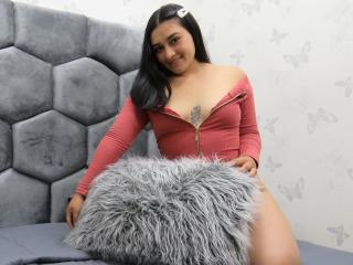 Webcam model Merilhyn from XLoveCam