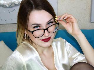 Webcam model MiaBeautiful from XLoveCam