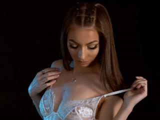 Webcam model MiaEthan from XLoveCam