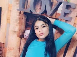 Webcam model MichellePerv from XLoveCam