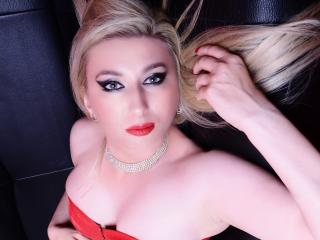 Webcam model MissKaliAnia from XLoveCam