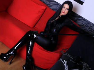 Webcam model MistressxRavenna from XLoveCam