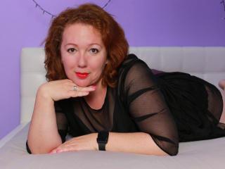 Webcam model MonicaBing from XLoveCam