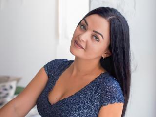 Webcam model MonicaKreis from XLoveCam