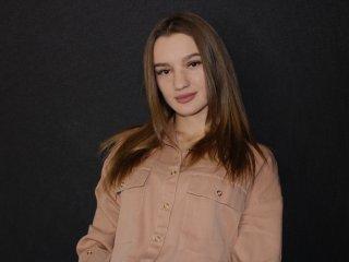 Webcam model MonikaMayer from XLoveCam