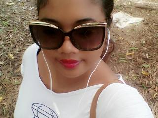 Webcam model Mounie from XLoveCam