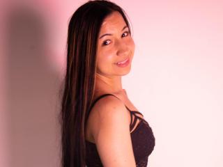 Webcam model NahomiGrey from XLoveCam