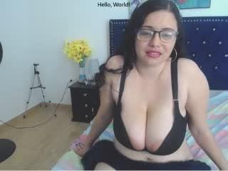 Webcam model NatalieLatina from XLoveCam