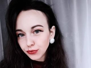 Webcam model NellyNiksy from XLoveCam