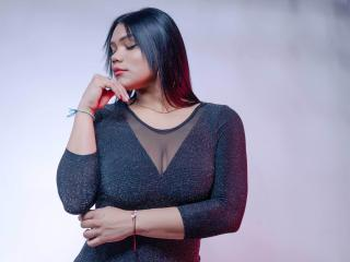 Webcam model NickyBernad from XLoveCam
