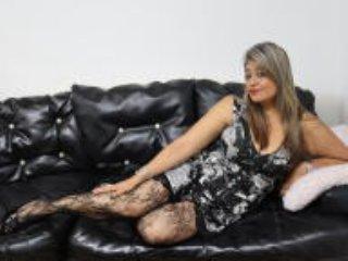 Webcam model NicolNeuman from XLoveCam
