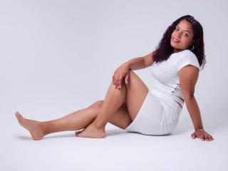 Webcam model NicoleWatson from XLoveCam