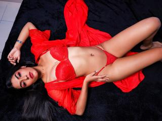 Webcam model NicolleRoseOne from XLoveCam