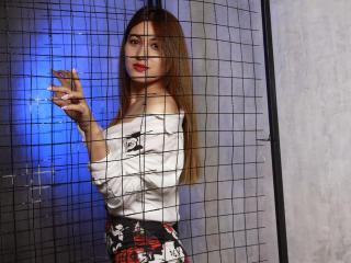 Webcam model NikaWillow from XLoveCam