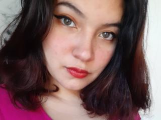Webcam model OliviaHill from XLoveCam